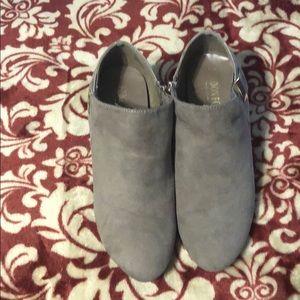 London Fog Size 7 Grey Dress shoes